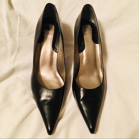 c71a7a1838 Nine West Shoes | Womens Black Leather Kitten Heels Sz 10 | Poshmark